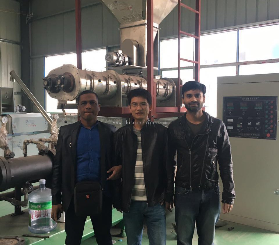 Bangladesh customers come to our company to purchase puffed feed equipment